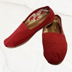 TOMS classic red flat slip on shoes